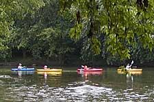 kayaks1_225