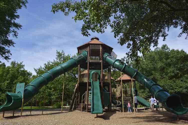 Holliday Park Playground Renovation